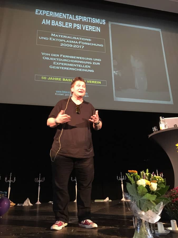 Kai Mügge, Bühne, Vortrag, Leinwand